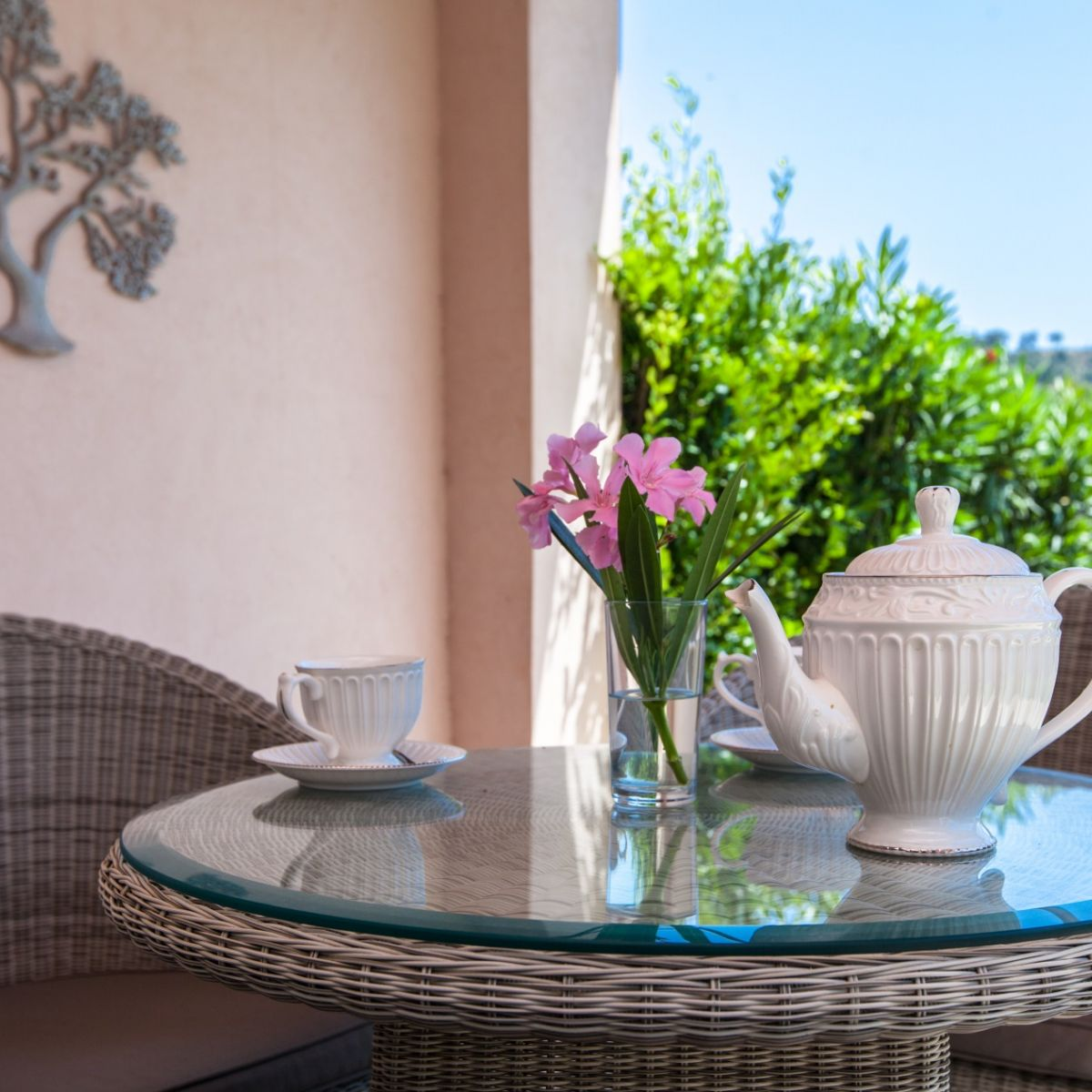TERRACE house saint tropez